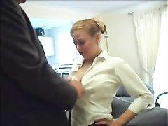Зрелый толстяк покатал на члене молодую блондинку с большими сиськами