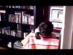 Скрытая камера для любительского подглядывания за мастурбацией брюнетки