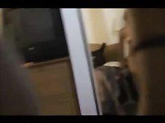 Молодая брюнетка перед домашней скрытой камерой трахается с женатым соседом