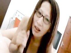 Рыжая азиатка от первого лица делает любительский минет партнёру для возбуждения