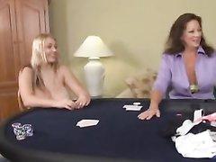 Блондинки с большими сиськами строчат домашние минета налево и направо