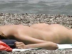 Любительское подглядывание за красивыми девушками на нудистском пляже