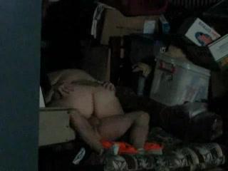 Зрелая толстуха с огромной попой перед скрытой камерой легла на любовника