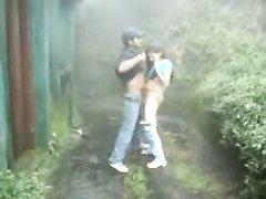 Любительское подглядывание за интимным свиданием парочки в оранжерее