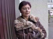 Нежный и молодой любовник в 69 позе лижет клитор зрелой любовнице в чулках