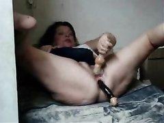 Студент делает куни зрелой женщине после мастурбации киски и анала игрушками