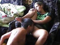 Скрытая камера снимает как муж делает любительский куни русской супруге