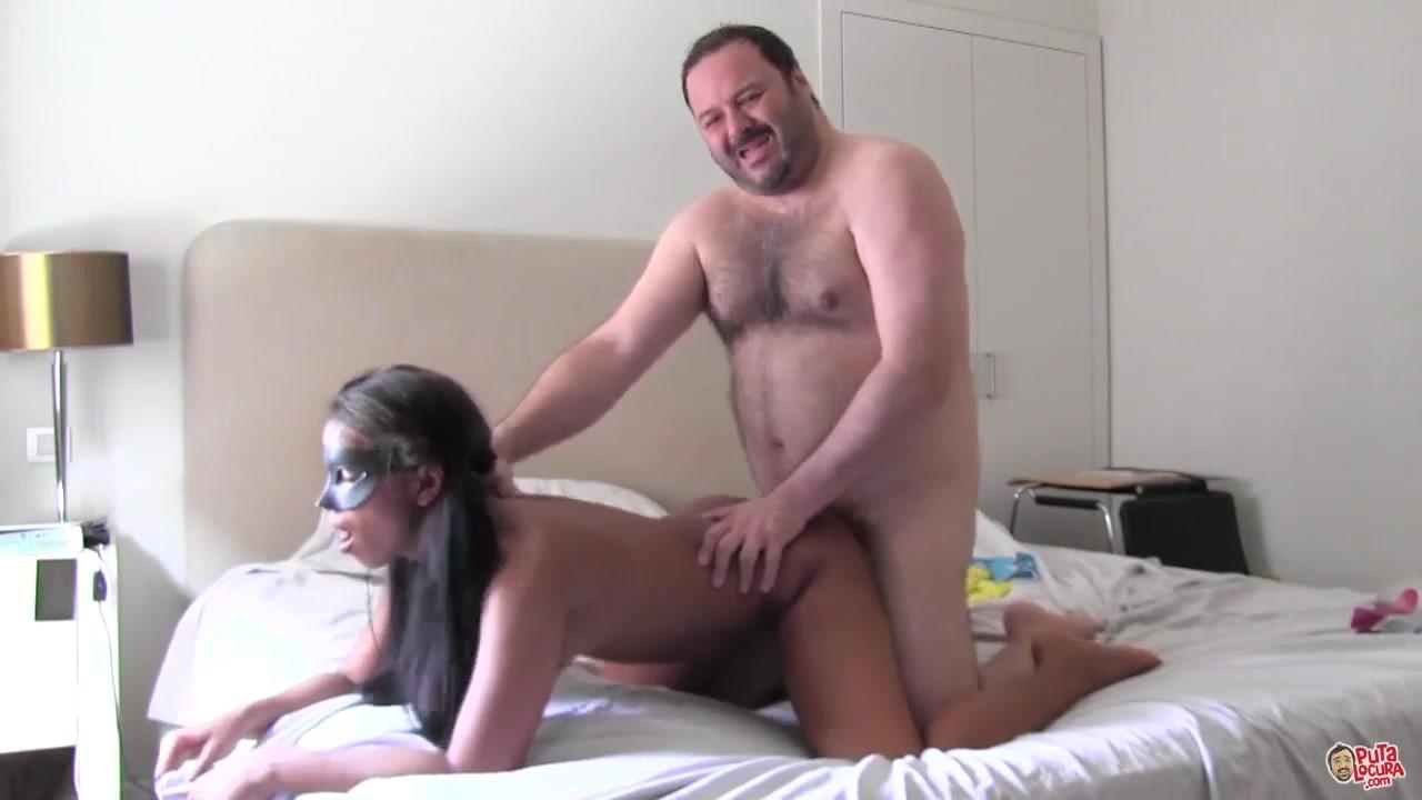 Толстяк трахнул красотку порно смотреть