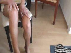 От первого лица любительский фут фетиш от красотки с ухоженными ногами