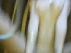 Скрытая камера снимает любительскую мастурбацию латинской брюнетки