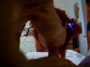 Рыжая итальянка с волосатой киской строчит домашний минет поклоннику