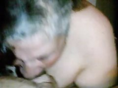 Зрелая и толстая любовница сосёт чёрный член молодого негра от первого лица
