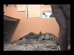 Скрытая камера снимает домашний массаж с нежным куни для зрелой развратницы