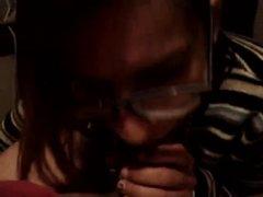 Любительский минет от первого лица в исполнении нежной и молодой проститутки