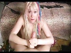 Зрелая блондинка от первого лица жёстко дрочит связанный член любовника