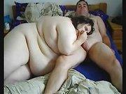 Крупная зрелая толстуха с огромной попой трахается в анал после домашнего минета