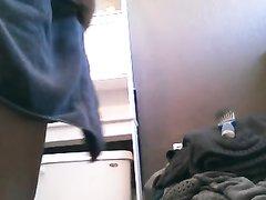 Домашняя скрытая камера для подглядывания за зрелой широкобёдрой толстухой