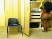 Любительская соло сцена от шикарной толстой негритянки с огромной попой