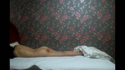 Скрытая камера с бокового ракурса снимает любительский секс азиатской пары