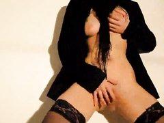 Немка с большими сиськами надев чулки предалась домашнему сексу от первого лица