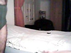 Турецкая брюнетка перед домашней камерой трахается с пылким поклонником