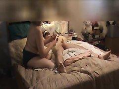 Подглядывание за любительским женским доминированием со зрелой дамой