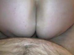 Домашний секс от первого лица с окончанием внутрь зрелой жены в чулочках