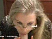 Любовница в очках дрочит и сосёт член для окончания в рот и давится спермой