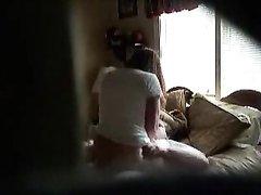 Скрытая камера записывает парочку любовников трахающуюся после 69 позы
