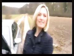 Зрелая немецкая авто леди сделав домашний минет трахается с незнакомцем