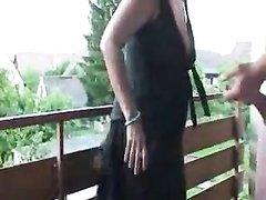 Подглядывание любительского секса с пышной поклонницей минета на балконе