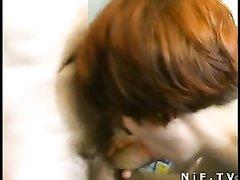 Рыжая француженка в чулках трахается в анал и делает любительский минет