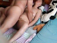 Подглядывание по скрытой камере за жёстким домашним сексом со зрелой немкой