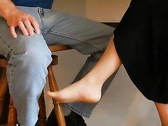 Подглядывание за любительским фут фетишем с ухоженной зрелой женщиной
