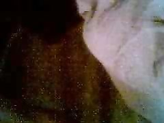 Лысый ловелас перед домашней вебкамерой трахает фигуристую развратницу