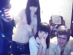 Молодые брюнетки перед любовниками показывают упругие сиськи по вебкамере
