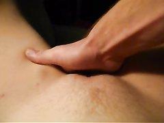 Жёсткая любительская мастурбация бритой киски для бурного сквиртинга