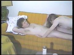 Куни и любительский минет сменились интимной близость с молодой моделью