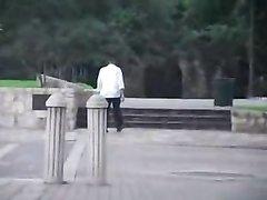 Любительский хардкор с молодой блондинкой отдавшейся незнакомцу на улице