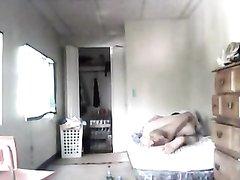 Молодой развратник снял домашний секс со зрелой соседкой на скрытую камеру