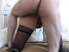 Анальный секс и домашний минет с грудастой зрелой блондинкой в чёрных чулках