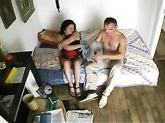 Любовник лижет киску зрелой француженки и трахает её в рот крепким членом