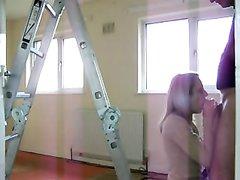 Худая блондинка перед домашней скрытой камерой изменила супругу с соседом