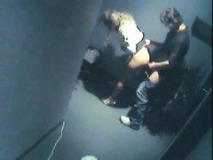 Скрытая камера запечатлела любительский секс возбуждённых развратников