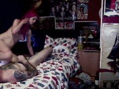 Скрытая камера снимает любительский секс рыжей шлюхи с татуированным клиентом
