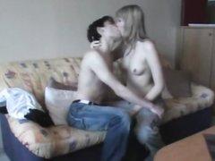 Любовник лижет клитор молодой русской блондинки и трахает после минета