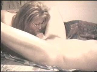 Подглядывание анального домашнего секса с грудастой зрелой развратницей
