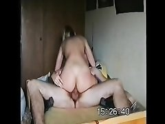 Немецкая блондинка в чулках трахается с соседом после домашней мастурбации