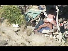 Подглядывание за загорелой туристкой трахающейся на пляже с любовником