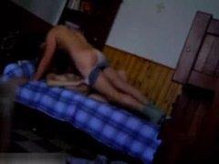 Скрытая камера поздно вечером снимает любительский секс с куни и минетом